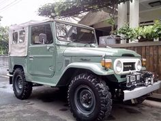 Sage Green Soft Top FJ40 Land Cruiser - Icon