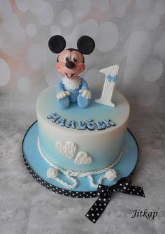 Mickey Mouse cake by Jitkap