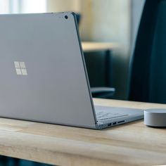 Living that laptop lifestyle. Powerful and portable, the Surface Book is comfortable on your desk, but it doesn't need to live there. Work or wander, it's up to you. Surface Laptop, Studio Setup, Microsoft Surface, Notebook Laptop, Gadgets, Geek Stuff, Technology, Humility, Mobiles