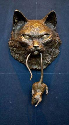Bronze door knocker. Knobs And Knockers, Knobs And Handles, Door Knobs, Door Handles, Wall Sculptures, Sculpture Art, Knock Knock, Cat Mouse, Bronze Sculpture