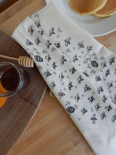 Absorbent, soft, and lint free, these flour sack towels will quickly become your favorites in the kitchen. They are hard working, super soft, and ultra thirsty kitchen companions. Each towel is printed by hand using solvent free, environmentally kind ink on a 28 X 29 unbleached, natural