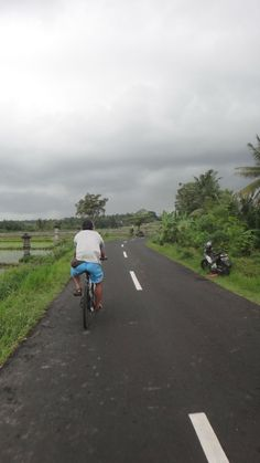 Stay active on your vacation with walking & cycling tours through #Bali
