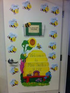 My door-- bee theme:) Diy Classroom Decorations, School Decorations, Classroom Themes, Infant Classroom, Classroom Door, Bees For Kids, Paper Flower Patterns, Classroom Pictures, Kids Room Wall Decals