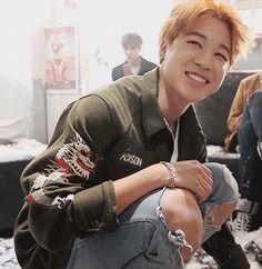 """""""[jikook au] jungkook wakes up with 'park jimin' tattooed on his wrist. jungkook doesn't like said park jimin"""" Bts Jimin, Bts Bangtan Boy, Jimin Hot, Seokjin, Hoseok, Namjoon, Got7 Bambam, Busan, K Pop"""