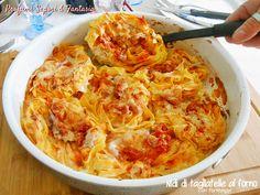 I nidi di tagliatelle al forno con formaggi e ragù di carne alla romagnola sono sicuramente un primo piatto gustoso e saporito e anche veloce da preparare.