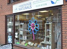 Handmade Naturals is a family owned and run company, that use Suma as a supplier for some of their products. It all began back in 2006. After extensive research into natural oils & ingredients Rossi started making her own skin care products at home.