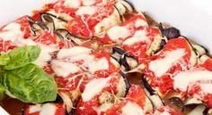 Gli involtini di melanzane sono un antipasto facile e veloce, ma si possono proporre anche come contorno da abbinare ad un piatto di carne oppure vegetariano.