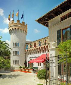 Castillo Hotel Son Vida, Mallorca—Entrance | por Luxury Collection Hotels and Resorts