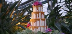 In 2018, semi naked cakes with a thin layer of frosting and drip cakes are popular choices for wedding receptions.
