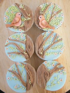 Lovebirds cupcakes---how clever is that?