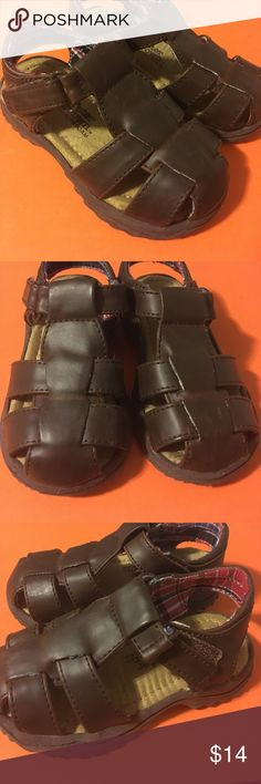 4th July Sale Buster Brown size 6 brown sandals Brown sandals by Buster Brown - size 6. These sandals are in great condition! Come from a smoke-free home. Buster Brown Shoes Sandals & Flip Flops