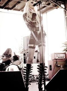 Taylor Momsen thigh highs