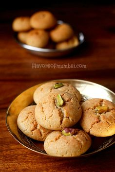 Whole wheat nankhatai recipe with step by step photos. Nankhatai are Indian style cookies made with flour, ghee, sugar and cardamom powder. Indian Dessert Recipes, Indian Snacks, Indian Sweets, Indian Recipes, Dessert Ideas, Baking Recipes, Cookie Recipes, Snack Recipes, Eggless Recipes