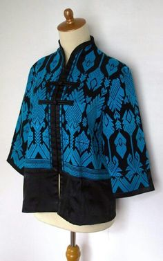 Discover recipes, home ideas, style inspiration and other ideas to try. Batik Blazer, Blouse Batik, Batik Dress, Traditional Fashion, Traditional Outfits, Kitenge, Muslim Fashion, Modest Fashion, Cheongsam