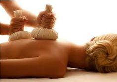 PINDAS CHINESAS-Originária das antigas terapias orientais, a Pinda chinesa é uma massagem realizada por todo corpo com trouxinhas (pindas), feitas de saquinhos de linho ou algodão, contendo sal marinho, ervas medicinais, aromáticas e especiarias que possuam propriedades tanto estimulantes como relaxantes... conheça detalhes e promoções em: http://toqueprimordial.blogspot.com.br/p/pindas-chinesas.html