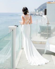 This La Soie Bridal wedding dress, which featured an illusion, buttoned-up back, was subtly sexy. We suggest emulating this ensemble at your own beachy affair if you want to keep cool and show a touch of skin. Tulle Wedding Skirt, Bridal Skirts, White Wedding Bouquets, Colored Wedding Dresses, Bridal Wedding Dresses, Allure Bridals, Bride Look, Madame, Wedding Styles