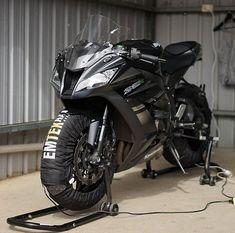January 18 2019 at Kawasaki Ninja Bike, Kawasaki Motorcycles, Custom Sport Bikes, Custom Motorcycles, Moto Bike, Motorcycle Bike, Z 800, Biker Photography, Motorbike Design