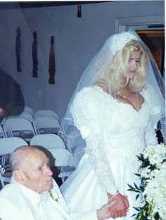 Anna Nicole Smith marries her prince.