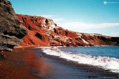 The Most Beautiful Beaches in Greece - Red Beach in Santorini Red Beach Santorini, Santorini Island, Santorini Greece, Oh The Places You'll Go, Places To Travel, Places To Visit, Most Beautiful Beaches, Beautiful Places, Enjoy Your Vacation