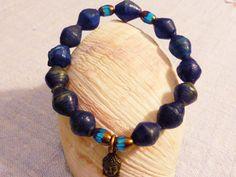 Armbänder - Blau bis blaugraue Afrikaperlen Armband UNIKAT - ein Designerstück von SchmuckeFarbenKunst bei DaWanda