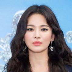 Song Hye Kyo Hair, Song Hye Kyo Style, Korean Makeup, Korean Beauty, Asian Beauty, Cecilia Cheung, Bea Alonzo, Amanda Crew, Ana Brenda Contreras