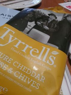 Tyrrell's Mature Cheddar Cheese & Chives crisps