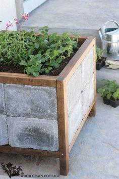 DIY Paver Planter - The Wood Grain Cottage