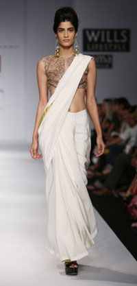 Anand Kabra. Taramati S/S 13'. Indian Couture.