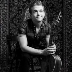This puppy dog stare! Hunter Hayes, Country Music Stars, Country Artists, Cool Countries, Pop Singers, To My Future Husband, I Love Him, Muscles, My Idol
