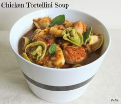 Chicken Tortellini Soup - a quick and easy winter warmer. Fall Recipes, Soup Recipes, Dog Food Recipes, Cooking Recipes, Yummy Recipes, Meals To Make With Chicken, Chicken Tortellini Soup, Friend Recipe, Weight Watchers Meals