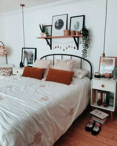 Exceptional smart home decor advice detail are readily available on our internet. - advice decor detail Exceptional home Internet readily Smart thuisdecoratie 381539399685088976 Source by decor advice Room Ideas Bedroom, Decor Room, Bedroom Inspo, Home Decor, Bedroom Designs, Bed Room, Bedroom Decor Boho, Bright Bedroom Ideas, Bedroom Wall Decor Above Bed