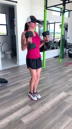Workout at home with this circuit series! Get a full body workout in at home. No gym needed! Full Body Circuit Workout, Full Body Workout At Home, Gym Workout Videos, Fitness Workout For Women, Dumbbell Workout, Body Fitness, At Home Workouts, Body Workouts, Boxing Workout