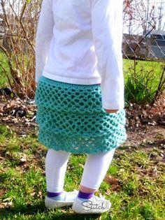 Ruffle Crochet Skirt - Free Crochet Pattern! Crochet Skirt Pattern, Crochet Ruffle, Crochet Skirts, Knit Or Crochet, Cute Crochet, Crochet For Kids, Beautiful Crochet, Crochet Crafts, Easy Crochet