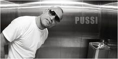 "PUSSI aka Groszmogul Nordost aka Käpt´n Hook - wurde 1994 Mitglied der Hip Hop Formation ""NST - NorthSideTribe""."