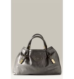 Free shipping and returns on Chloé 'Victoria' Leather Tote at Nordstrom.com. Stunningly chic in its simplicity, a supple leather tote is discreetly branded by a logo-embossed oval at the front and topped with rounded overlapping handles.
