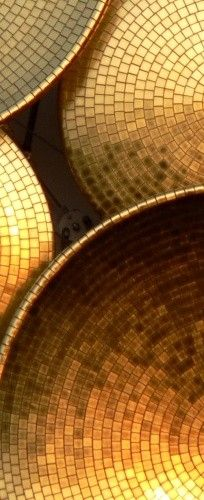 Gold mosaic bowls are stunning way to add luxury to your home Texture Metal, Gold Texture, Bild Gold, Gold Everything, Bronze, Going For Gold, Color Dorado, Shades Of Gold, Stay Gold