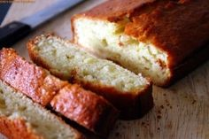 This banana bread is so moist and delicious that you will simply make it again and again ! South Indian Chutney Recipes, South Indian Breakfast Recipes, Moist Banana Bread, Great Recipes, Tasty, Sweets, Snacks, Baking, Desserts