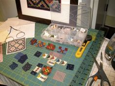 Miniature-Quilts-Inspired-by-Historical-Patterns