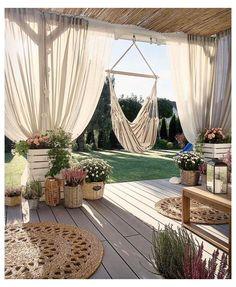 Outdoor Spaces, Outdoor Living, Outdoor Decor, Terrazas Chill Out, Small Patio Ideas On A Budget, Balcony Garden, Garden Privacy, Garden Beds, Backyard Patio