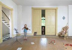 Julie Blackmon Captures The Craziness of Everyday Family Life | iGNANT.de