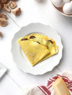 Learn how to make omelettes with this easy step by step recipe that comes out perfect every time and can be filled with any of your favorite ingredients. Gluten Free Sweets, Gluten Free Dinner, Sin Gluten, My Favorite Food, Favorite Recipes, How To Make Omelette, Popular Recipes, Free Recipes, Best Breakfast Recipes
