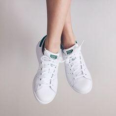 online retailer a8cc4 93944 アディダスの白スニーカー代表作「スタンスミス-adidas StanSmith