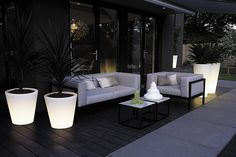 Pure straight LED light to enjoy summer evenings - Outdoor Sofa, Outdoor Spaces, Outdoor Furniture Sets, Outdoor Decor, Outside Planters, Outside Room, Pot Lights, Garden Deco, Brook House