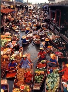 Floating Market, Ratchaburi, Thailand