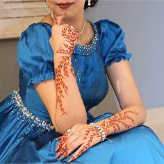 Most Awful Henna Designs For Women - Sensod - Create. Peacock Mehndi Designs, Khafif Mehndi Design, Indian Henna Designs, Simple Arabic Mehndi Designs, Stylish Mehndi Designs, Henna Art Designs, Mehndi Design Photos, Beautiful Henna Designs, Dulhan Mehndi Designs