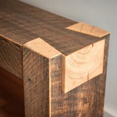 Beam Bench - Dovetail from reclaimed spruce - Beam Bench – Dovetail from reclaimed spruce – Alaskan Viking Imágenes efectivas que le proporci - Woodworking Joints, Woodworking Projects Diy, Woodworking Furniture, Fine Woodworking, Woodworking Classes, Woodworking Techniques, Woodworking Essentials, Sauder Woodworking, Woodworking School