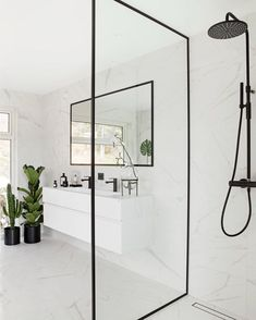 Decorate a small bathroom? 10 tips for your ideal bathroom inspiration . - Decorate a small bathroom? 10 tips for your ideal bathroom inspiration small bathroom wit - Bad Inspiration, Bathroom Inspiration, Interior Inspiration, White Marble Bathrooms, Small Bathroom, Bathroom Ideas, Bathroom Inspo, Guys Bathroom, Colorful Bathroom