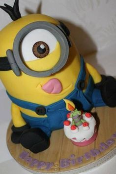My 10 year old nephew loves Despicable Me and the Minions. His request for cake was a Minion! So I decide to get some ideas before starting my creation . Minion Torte, Bolo Minion, Minion Cakes, Fancy Cakes, Cute Cakes, Minion Birthday, Birthday Cake, Birthday Ideas, Pastel Minion