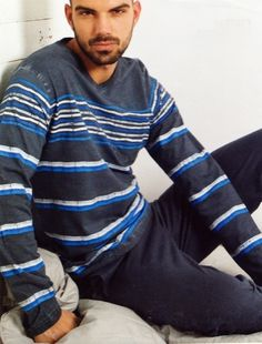 #Pijama de Algodón, #Admas - Ref: 58506 Azul - Pijama para hombre con acabado juvenil en algodón fino de manga larga y pantalón largo, para un uso continuado durante todo el año. #hombre #ropaInterior #modahombre http://www.varelaintimo.com/marca/1/admas