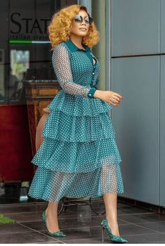 Classy Dress, Classy Outfits, Chic Outfits, Fashion Outfits, Ladies Fashion, Work Outfits, Fashion Styles, Fashion Design, Fashion Trends